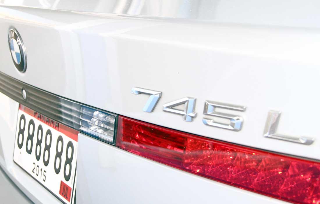 BMW745III01